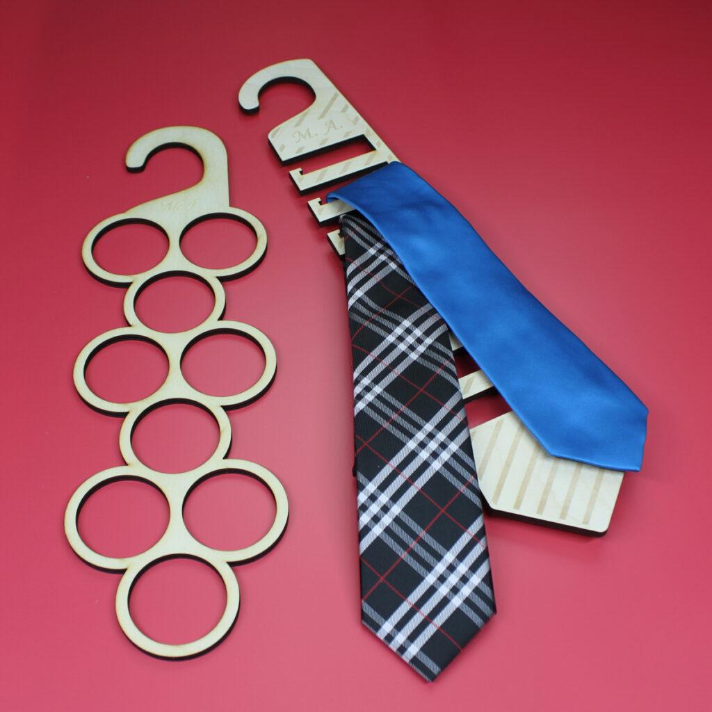 uni-d-support-cravates-foulards